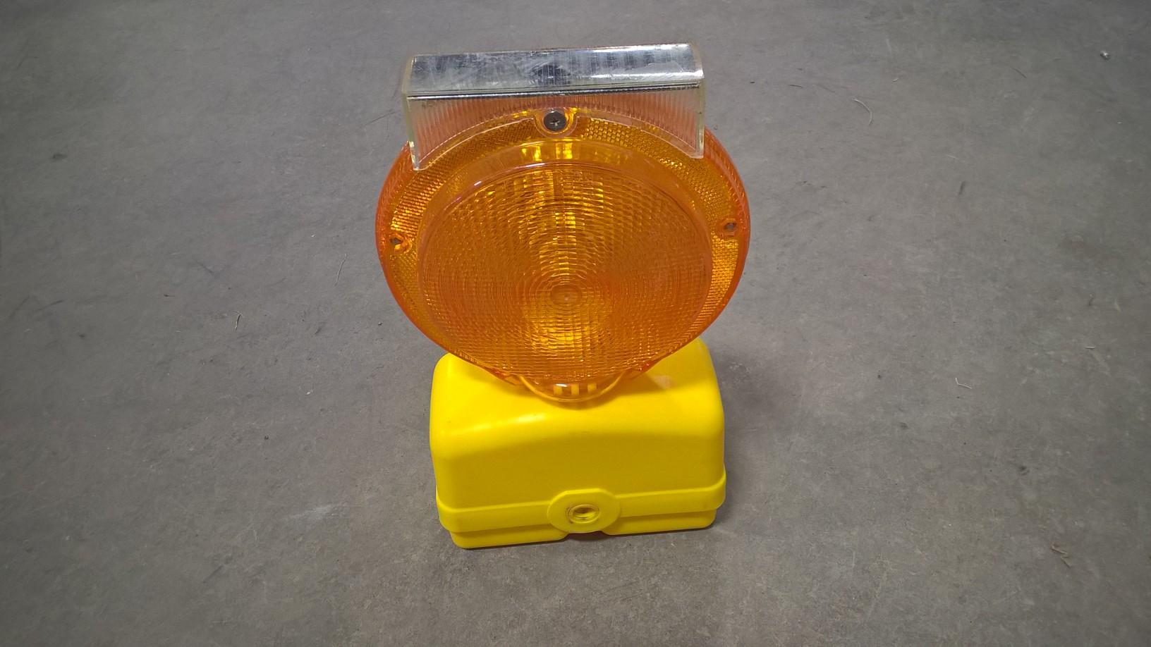 Flashing Barricade Light